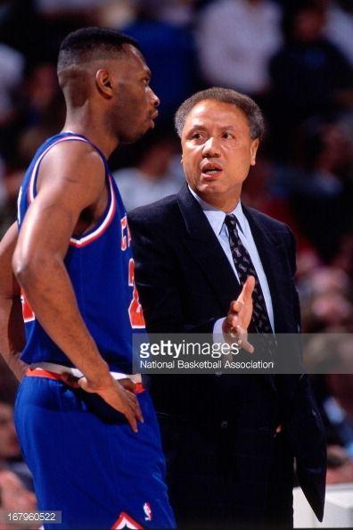 Fotografia de notícias : Cleveland Cavaliers head coach Lenny Wilkens...