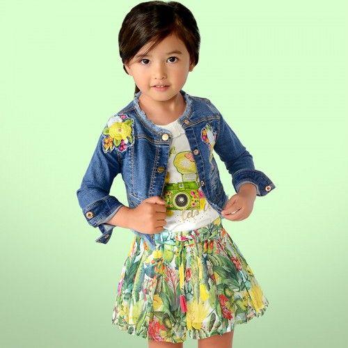 Fii cea mai veselă fetiță 💜💐🌸 în această primăvară purtând geaca de blugi pentru fete Mayoral! Imprimeul floral îți oferă un aer boem și transformă orice ținută într-una de-a dreptul spectaculoasă!  Cod produs: 3416  #marabukids #mayoral #tinutafetite #geacajeans
