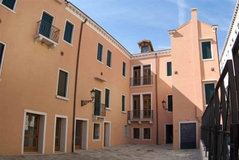 Domus Clugiae, a cool and cheap hostel to sleep when in town for the courses. http://www.domusclugiae.it