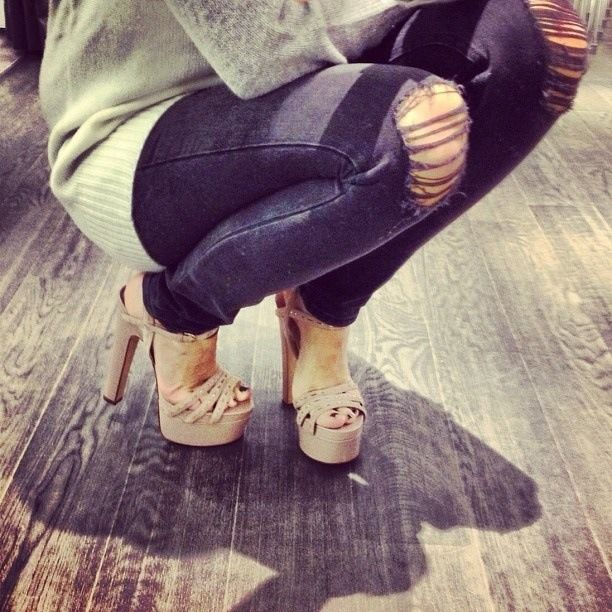 skinny jeans fashion style outfit nude heels closet high heels
