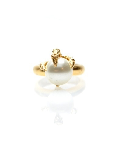 pearl and gold...classically beautiful