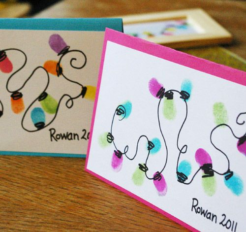 Thumb Print String of Lights Card - For a simple and crafty Christmas card, use ink and your thumb to a create a string of lights.