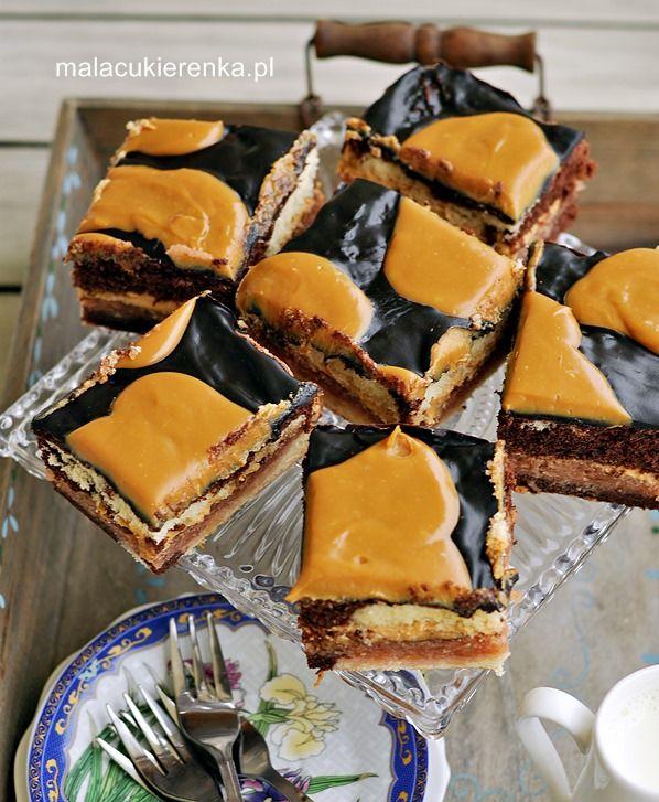 Jabłecznik łaciaty z czekoladą, polewą i masą krówkową