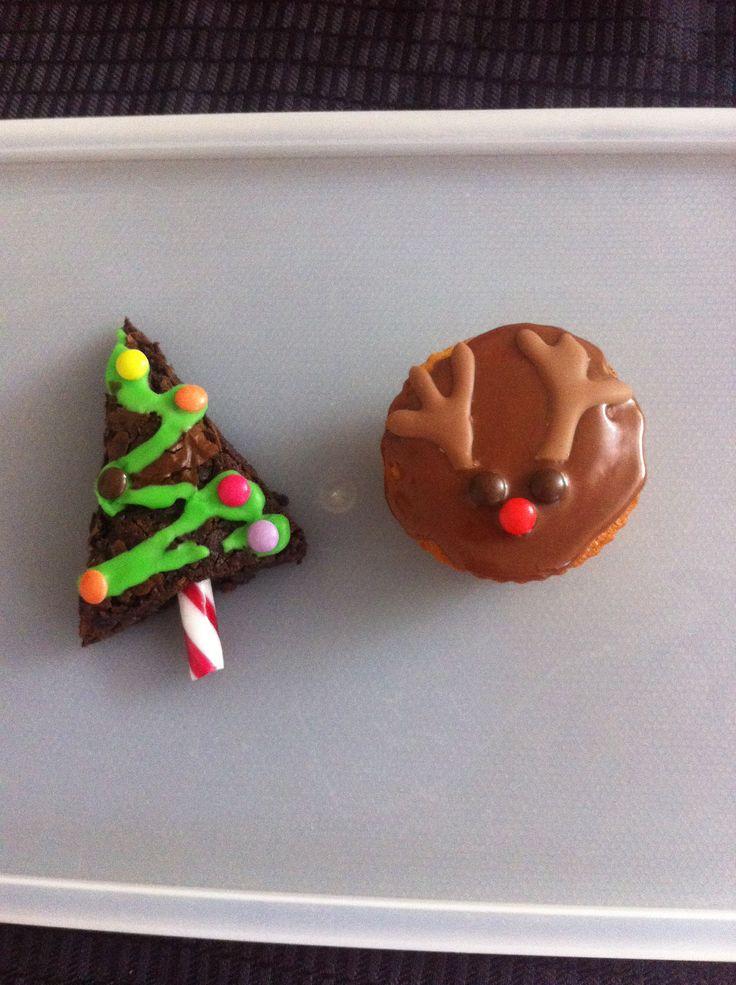 Christmas tree brownie and cupcake reindeer