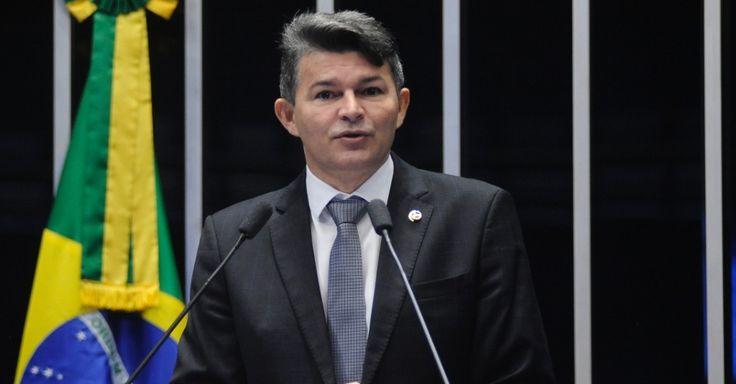Estudantes estão em ocupações para fumar maconha, diz senador José Medeiros