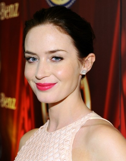 Emily Blunt pink-red lipstick.