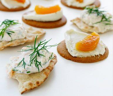 Recept: Ädelostcrème och kryddkokt aprikos på bröd eller pepparkaka | Blue cheese cream and spice boiled apricot on bread or gingerbread snap