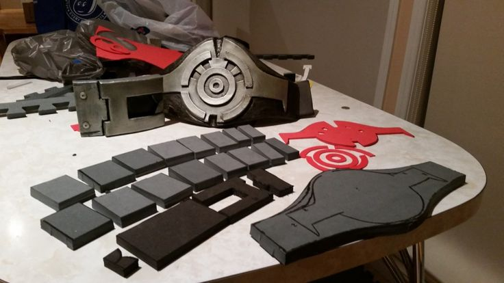 How to make a Fallout 3 Vault Jumpsuit Belt using craft foam, glue and nylon webbing.