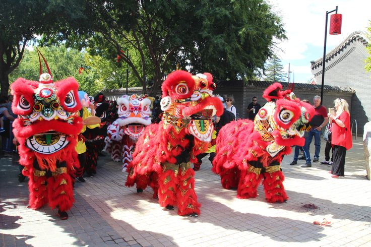 The Bendigo Easter Festival. One of the oldest festivals in Australia, this family events is held at Easter and is a celebration of Chinese and Australian culture. There are 5 days of non-stop events. A fantastic event!