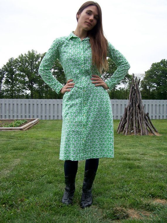 Vintage Size 8 Medium Retro Tanner Green and White by Tauntauns, $13.50