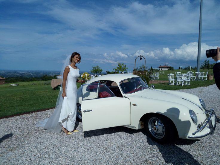#sposa #bride #sposi #wedding #weddingday #matrimonio #locationmatrimonibologna #locationeventi #porsche