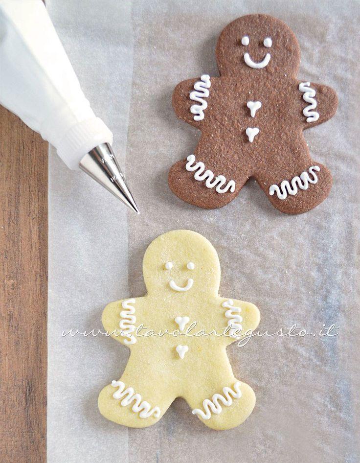 Biscotti Omini di Natale decorati in Ghiacchia 4- Ricetta Biscotti natalizi decorati - Biscotti di natale decorati