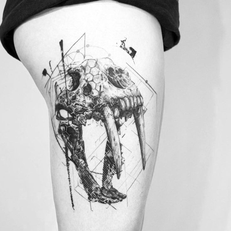 23 Trendy Hip Tattoos That Are Actually Badass: 17 Best Ideas About Women Thigh Tattoos On Pinterest
