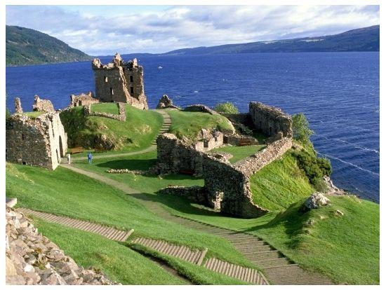 自然たっぷり!スコットランドのネス湖。スコットランドの魅力