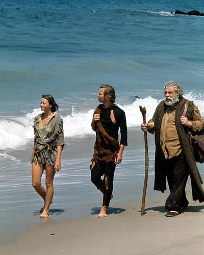 Logan's Run Agutter York Ustinov on Beach