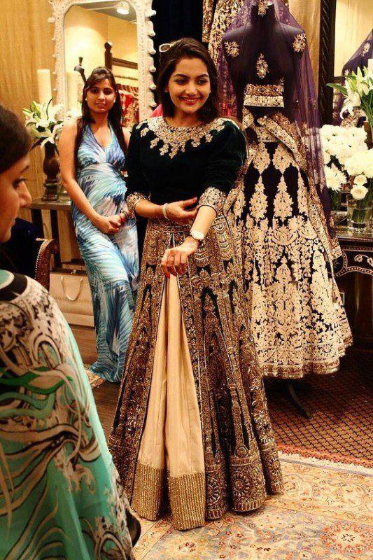 The 19 best Velvet Bridal Wedding Dresses With Unique Styles images ...