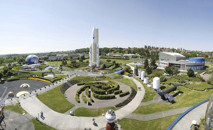 The Cité de l'espace (City of Space) is a theme park focused on space and the conquest of space.f Toulous