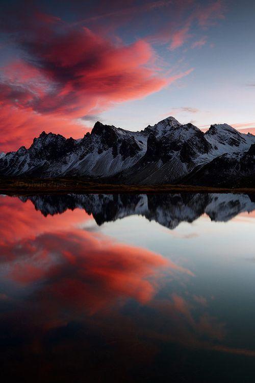 janetmillslove:Reflection moment love