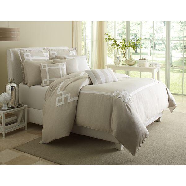 Michael Amini Avenue A 10-piece Comforter Set