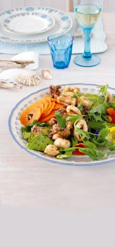 Salata de calamari cu papaia si avocado0