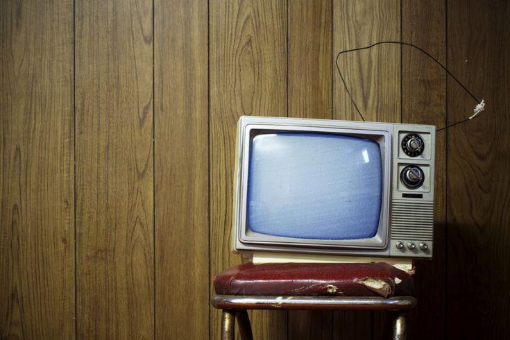 Niente di rilevante. Niente di interessante. Niente da vedere. E non è un luogo comune, ma questa televisione, pubblica o privata che sia, non ci offre niente di rilevante.