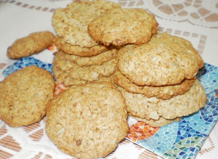 chrupiące,zdrowe ciasteczka owsiane z orzechami i słonecznikiem