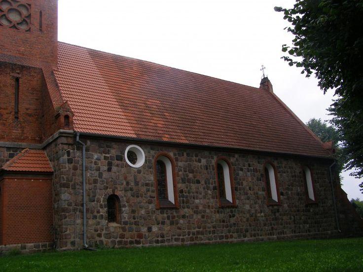 Kościół pw. św. Stanisława Kostki w Ogardach