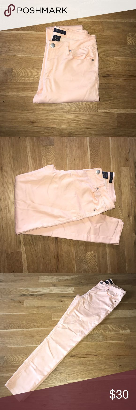 Tinsel peach skinny jeans Size 29 NEW New tinseltown peach skinny jeans. SiZe 29. Great summery color ! New without tags Tinseltown Jeans