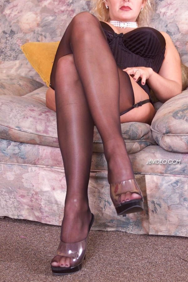 Loading Free Pantyhose Gallery Of 16