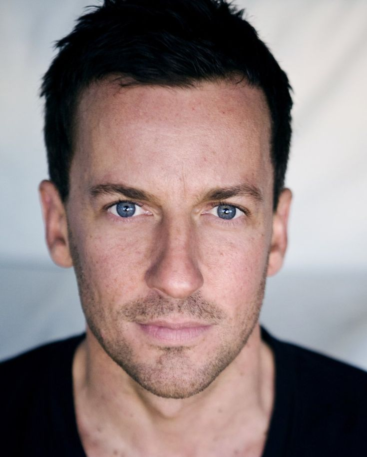 Craig Parker - I LOVE him as Haldir in The Lord of the Rings films!!! So gorgeous.