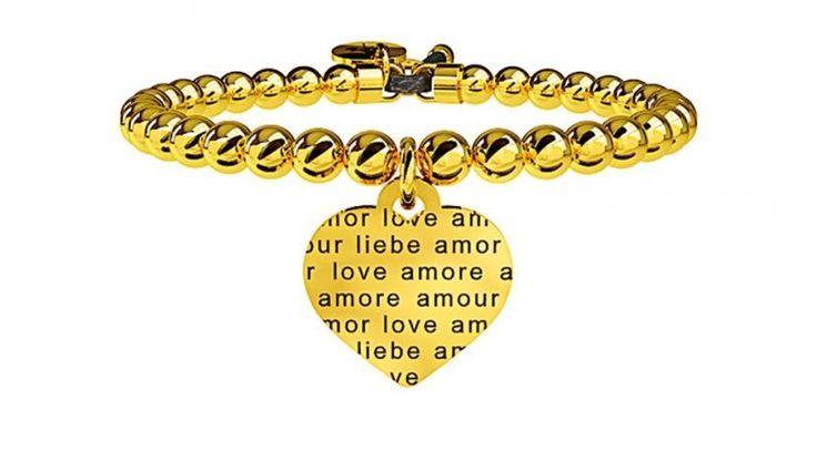 Bracciale Kidult dorato con cinturino a palline e charm a forma di cuore con incisione della parola AMORE in tutte le lingue. Collezione Love - Amore senza confini.  #kidult #bracciali #gioielli #ragazza #cuore #dorato #palline #braccialetti