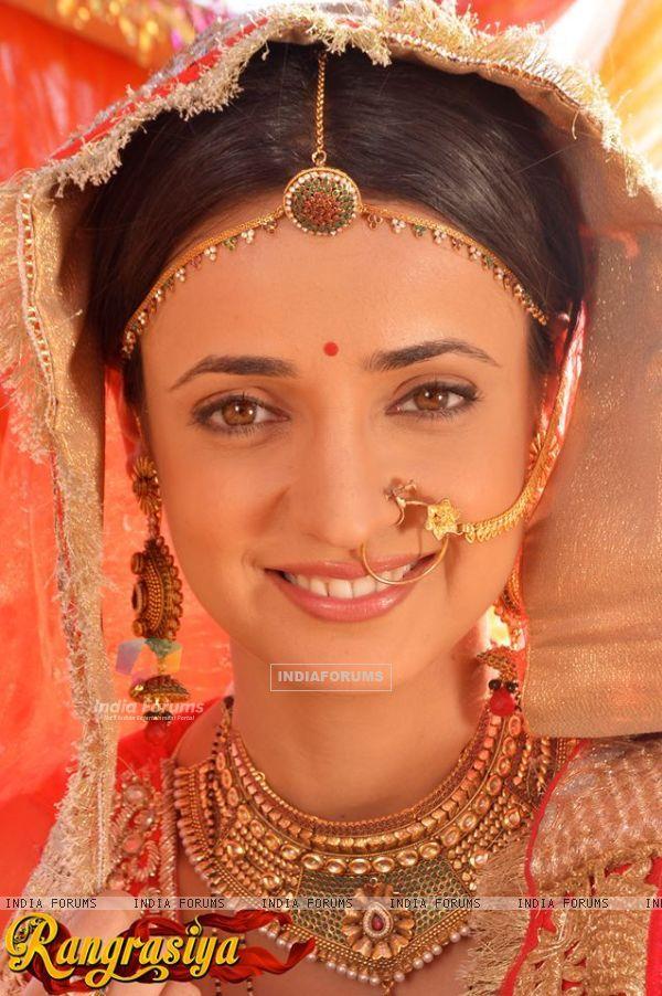 Sanaya Irani as Parvathy