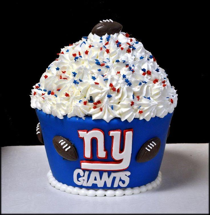 I'm a Jet fan but still thinking of making some Giants cupcakes on Sunday.  This is cool!
