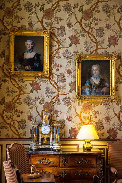 Chateau de Cheverny au beau milieu des chateaux de la Loire | 18th Century interior