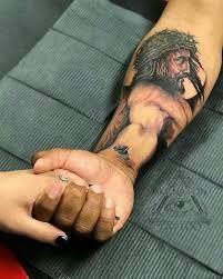 Tatuajes De Cristo En El Brazo Buscar Con Google Tatuaje De Cristo Tatuaje De Jesus Tatuajes De Jesus Cristo