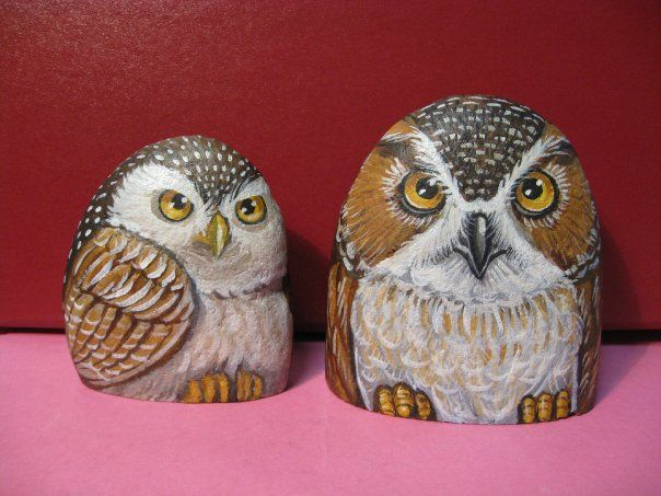 Two owls painted on stone..fantastic artwork!