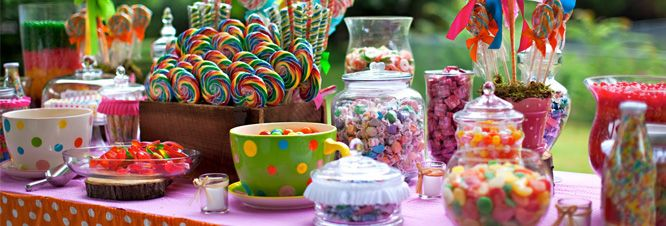 28 best images about candybar candy buffet on pinterest pedestal pom pom flowers and candy colors. Black Bedroom Furniture Sets. Home Design Ideas