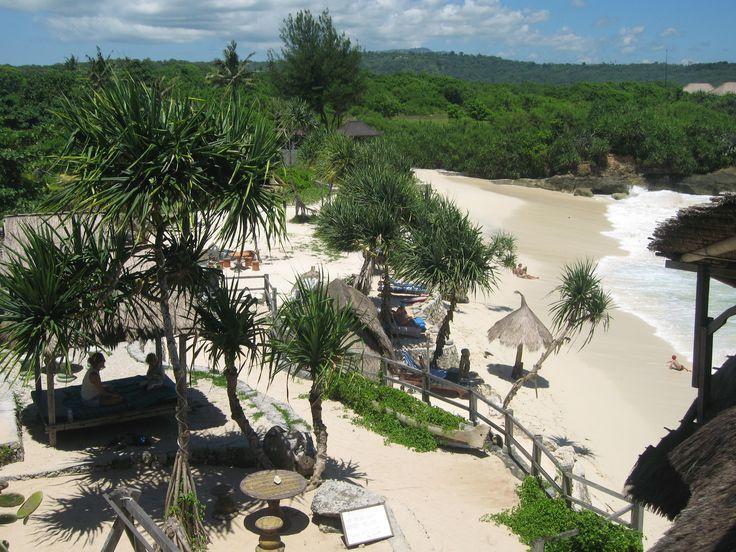 Nusa Lembongan Dream Beach  http://www.fulfillinglifenews.com/healing-retreat-in-indonesia/