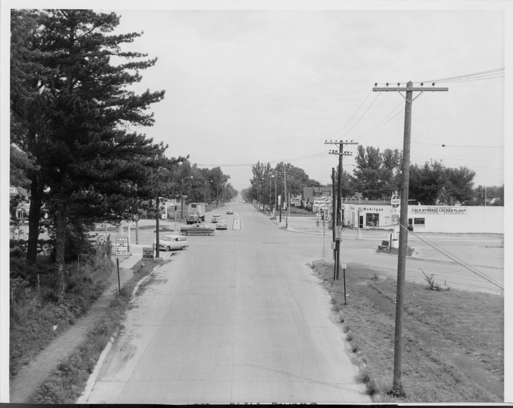 Intersection of Merle Hay and Hickman Rd (old US 6
