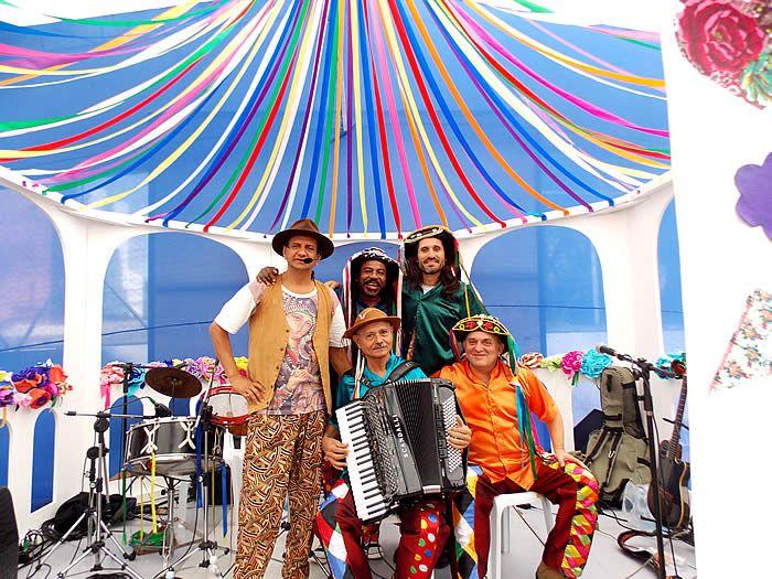A partir deste domingo, 11 de junho, o Sesc Piracicaba dá início à programação especial Junho dos Santos com shows e um passeio do Turismo Social