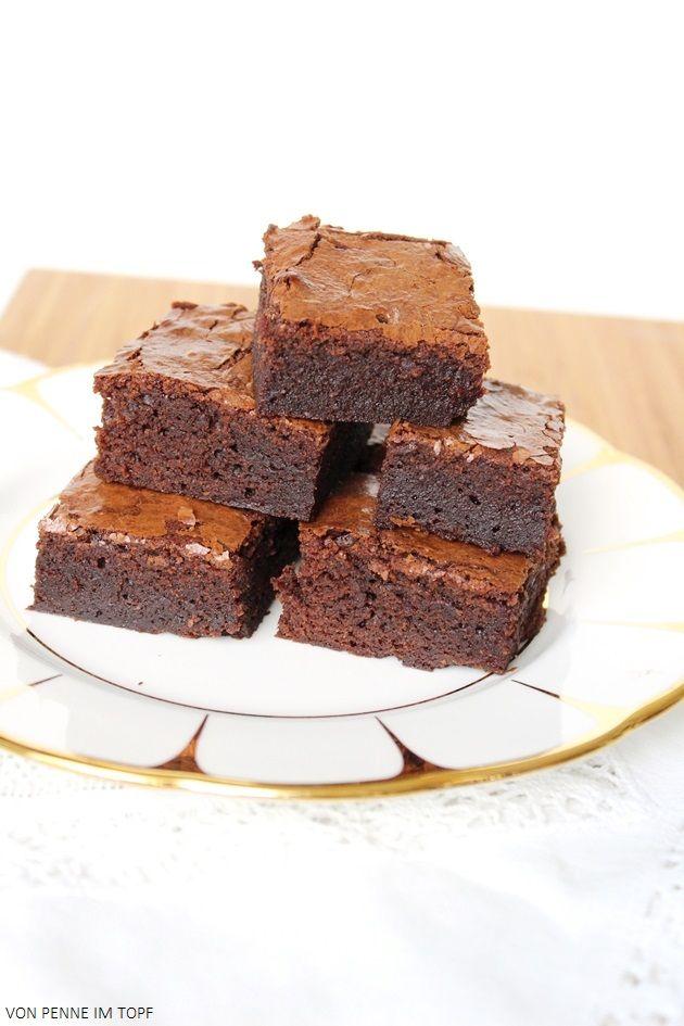 Vielleicht fragt sich jetzt jemand, warum ich überhaupt noch Brownie-Rezepte ausprobiere, wo ich die Best Brownies - Ever! doch schon lange gefunden habe. In diesem speziellen Fall lag es daran, dass ich für mein heiß geliebtes Go-to-Rezept nicht genügend...