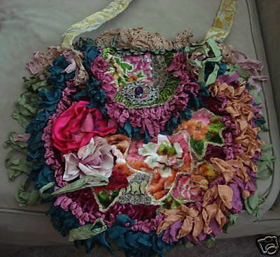 This on I like... It is definitely funky.  I do NOT, however, want to make it.   Magnolia Pearl purse