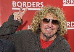 Бывший вокалист и гитарист рок-группы Van Halen Сэмми Хагар (Sammy Hagar) заявил в интервью изданию «Billboard», что согласится на воссоединение коллектива только в том случае, если фронтменом будет Дэвид Ли Рот, а бас-гитаристом — Майкл Энтони. Кроме того, он не готов мирить