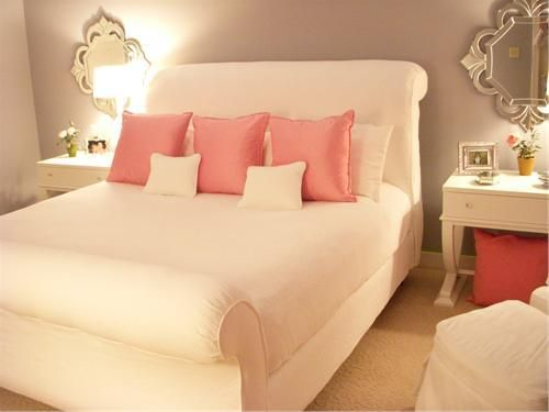 cute room for a girl: Sleigh Beds, White Beds, Grey Wall, Girls Bedroom, White Bedrooms, Beds Frames, Guest Rooms, Pink Bedrooms, Bedrooms Ideas