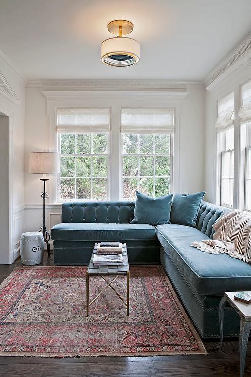 Living Room Inspiration. Modern Sofas. Velvet Sofa. Sectional Sofa. Blue Sofa. #modernsofas #homedecor #livingroom Find more inspiration at: modernsofas.eu