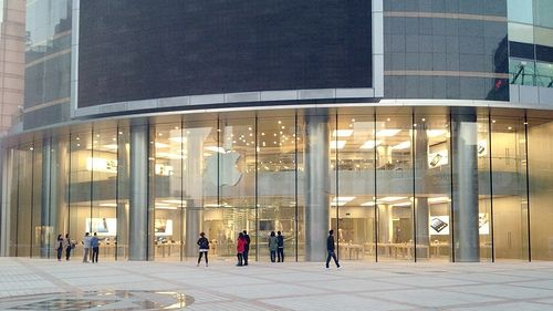 An amazing Apple Store
