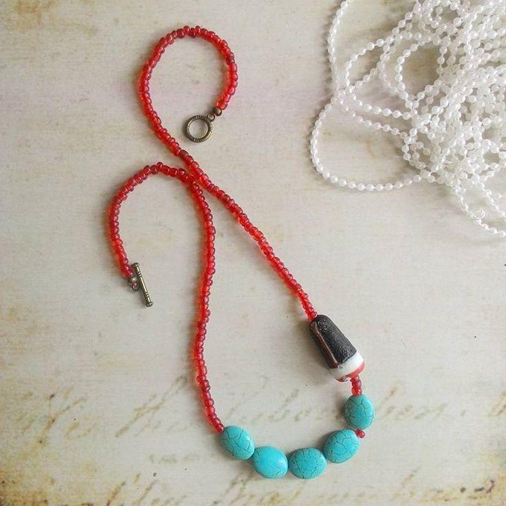 Masih dengan gaya boho style nya, simple dan cantik, yuk diorder kalung nya buat nambah penampilan tambah kece 😊
