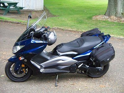 yamaha tmax 2009 royal blue 500 cc maxi scooter excellent condition exclusive deal buy now. Black Bedroom Furniture Sets. Home Design Ideas