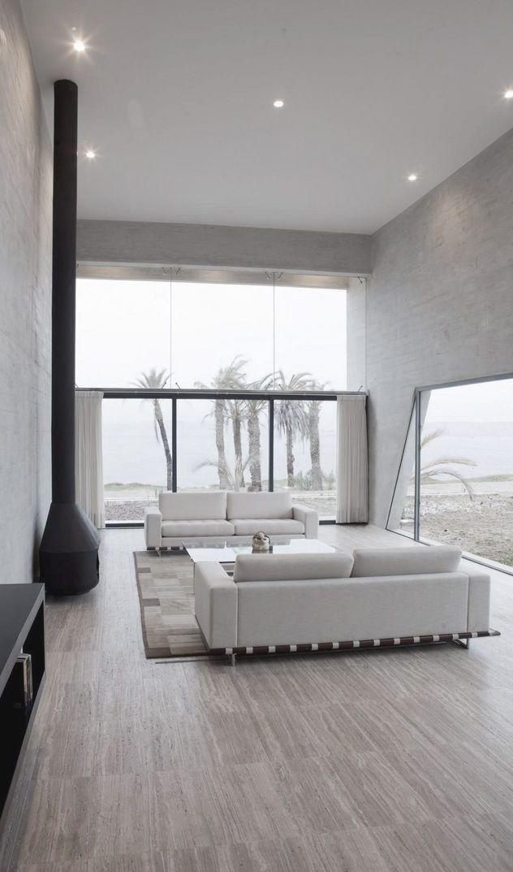 Strakke woonkamer met veel zwart en wit #woonstijl #modern