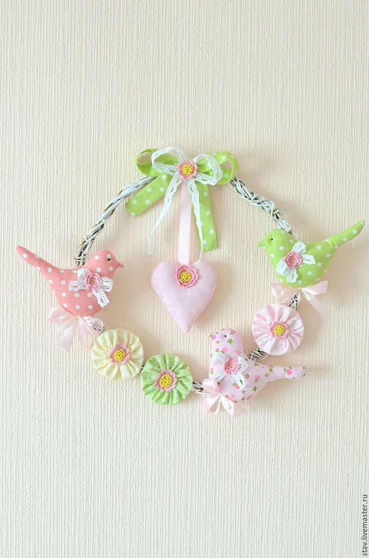Купить Венок с птичками сердечком,розовый,зеленый,кружево,вышивка бисером - розовый, зеленый, венок
